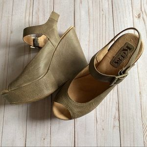 Korks by Kork Ease awesome leather wedge